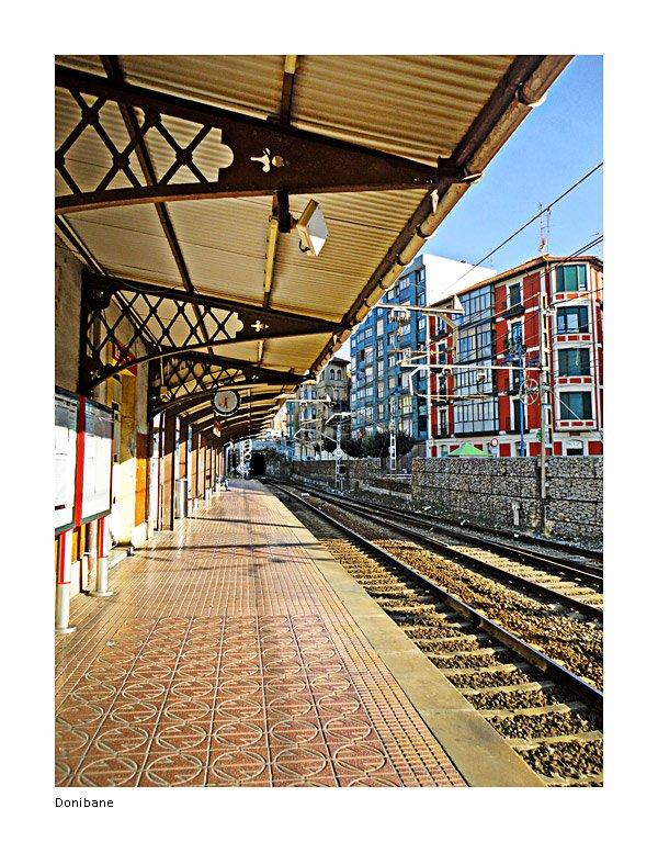 Esperando en la estación de Barakaldo